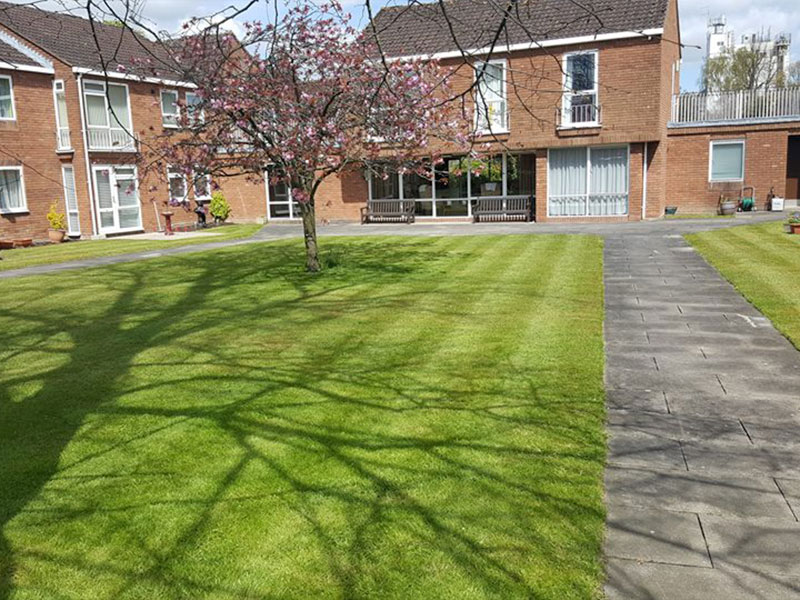 Landscape maintenance the Beeches, Andover